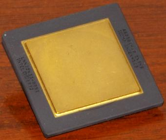 Intel Pentium 60MHz CPU Goldcap A80501-60 sSpec: SX948 Icomp-Index=510 1992