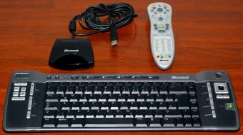 Microsoft Remote Keyboard for Windows XP Media Center Edition v1.0 Model 1044, MS-Part No. X806591-103 inklusive Fernbedienung Model 1039 PN: X800683-116 & Receiver Model 1040