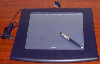 Wacom Intuos 2 A4 Graphics Tablet Model RS232 XD-0912-R FCC-ID: HV4XD Japan
